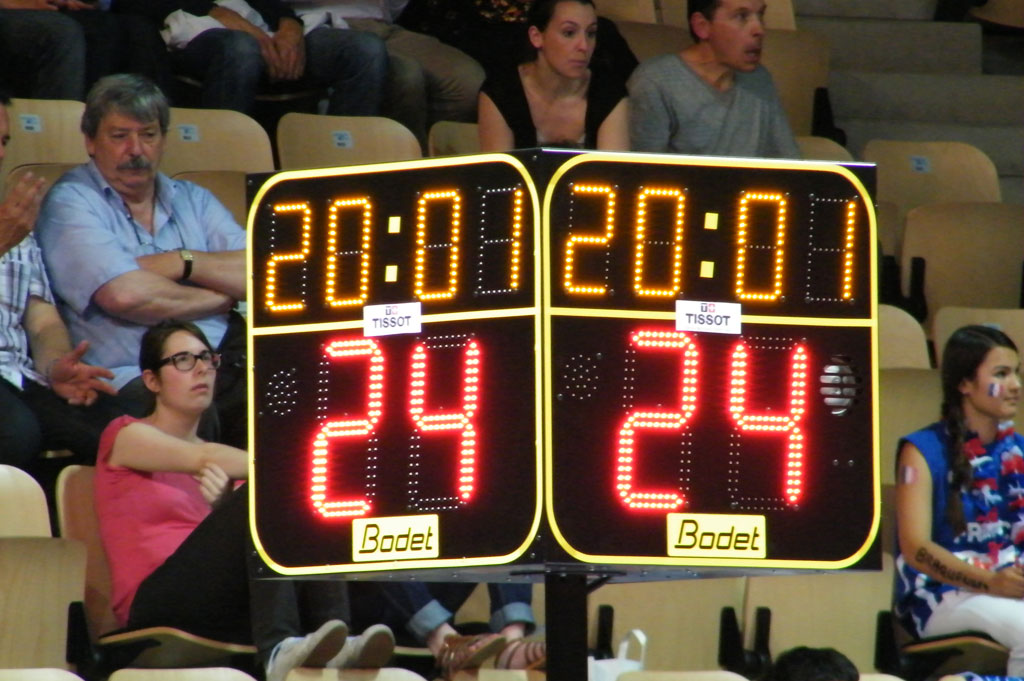 basketball-scoreboards-arena-loire-trelaze-1