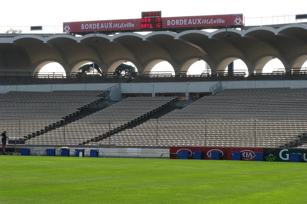 Bodet - Marcadores de fútbol del Estadio Chaban Delmas, Francia-1
