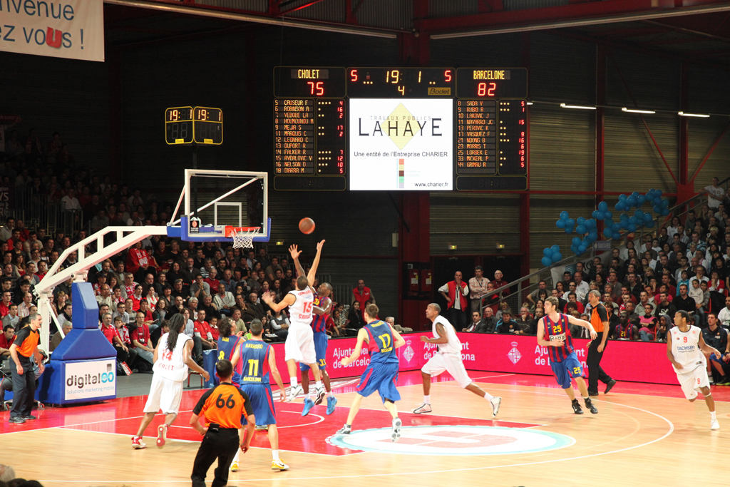tableau-affichage-sportif-basketball-cholet-salle-meilleraie-gymnase-1