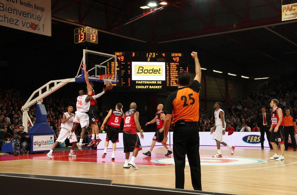tableau-affichage-sportif-basketball-cholet-salle-meilleraie-gymnase-2