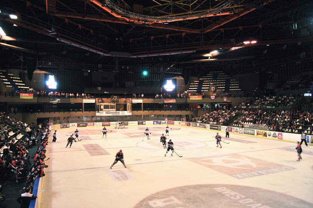 tableau-affichage-sportif-hockey-glace-patinoire-meriadeck-bordeaux-1