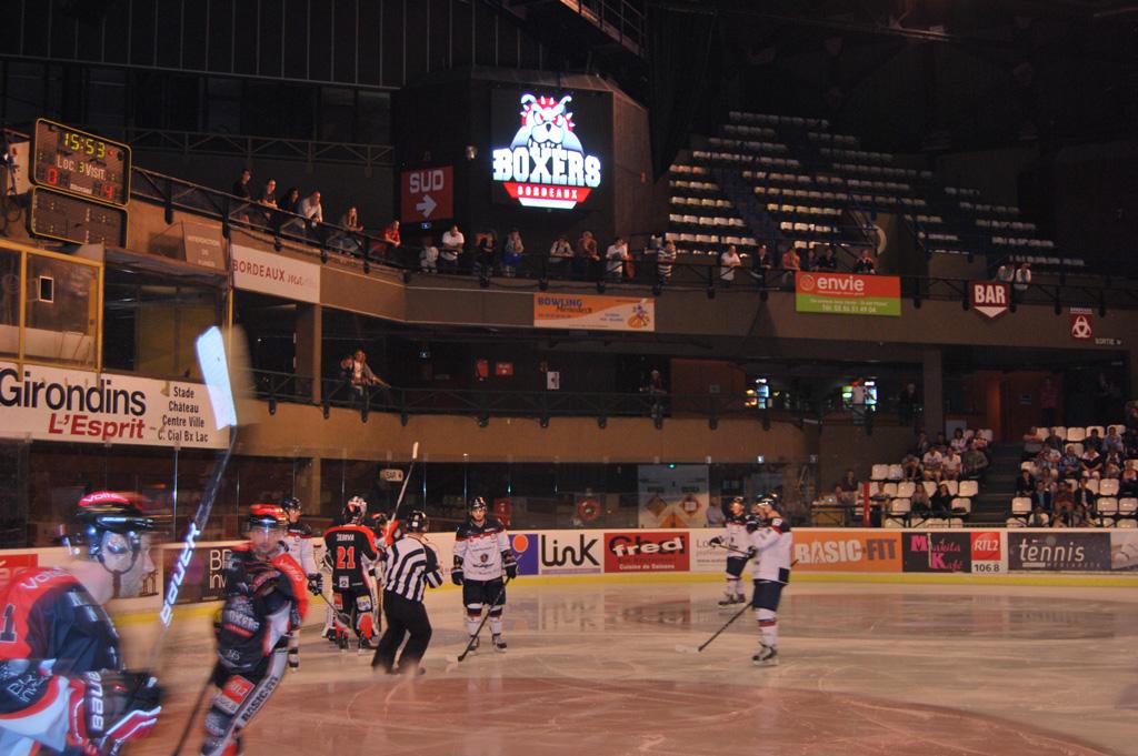 tableau-affichage-sportif-hockey-glace-patinoire-meriadeck-bordeaux-3